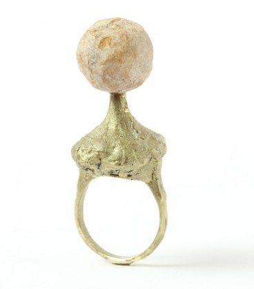 Karl Fritsch, ring 2018, brass, quartz