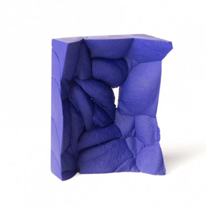 Patricia Domingues, brooch, 2018, reconstructed lapis